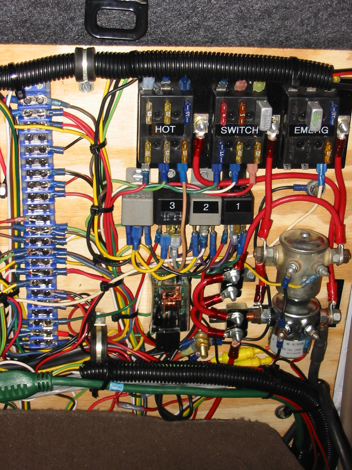 V 455 Multi Wiring Board This Contains Rt To Lt Kenwood 830 Uhf Radio Charge Pro 10 Amp Automatic Battery Charger Whelen Ups 690 Strobe Power Supply Svp Sa 400 Siren